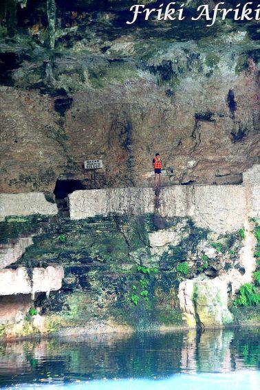 Cenote Zaci - mały śmiałek, skakał z tej wysokości do wody