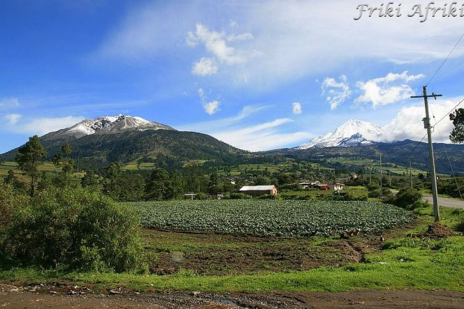 Z lewej Monte Negro, z Prawej Pico de Orizaba