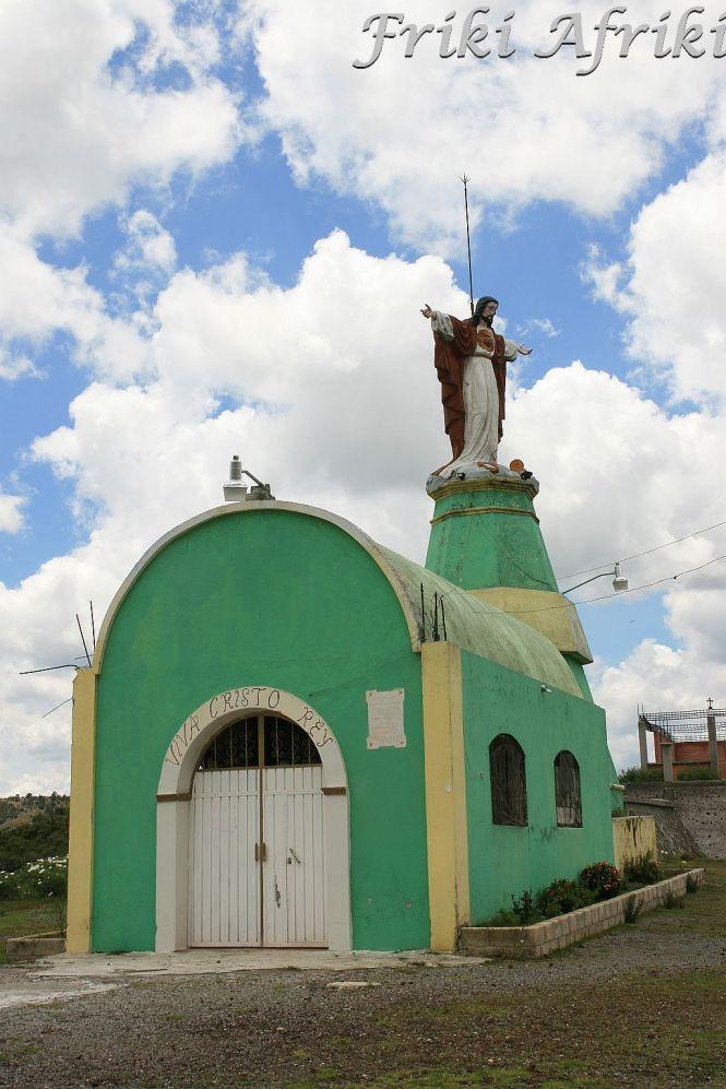 Jezus ze wzgórza bierze pioruny na klatę.