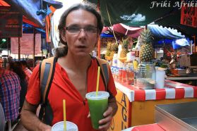 Na bazarze - pyszne wody owocowe
