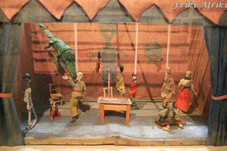 Teatr kukiełkowy zrobiony przez fridę