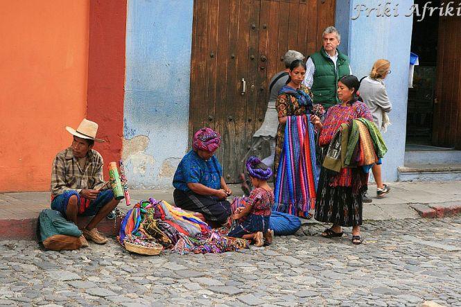 Indianki sprzedające tekstylia