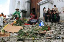 Przed wejściem do Kościoła Św. Tomasza w Chichicastenango