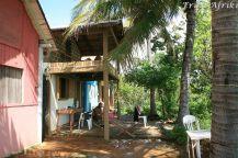 Nasza pierwsza baza - mała drewniana chatka