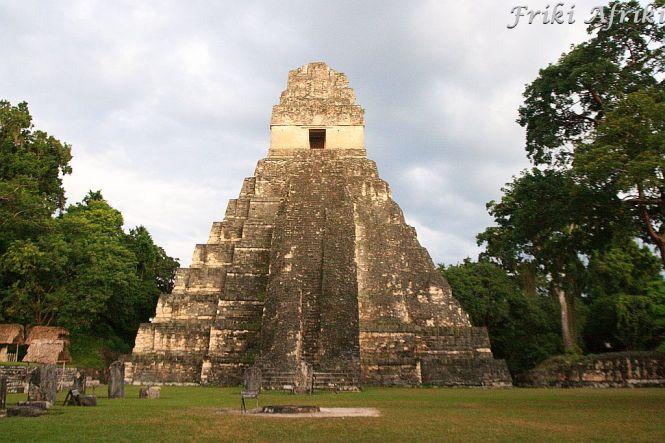 W Tikal spokojnie można spędzić cały dzień i się nie znudzić
